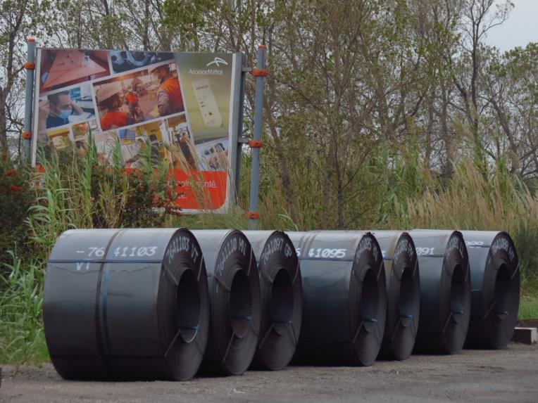 A l'avenir, ces bobines d'acier d'ArcelorMittal à Fos seront progressivement fabriquées en émettant de moins en moins de carbone. (Photo JC Barla)