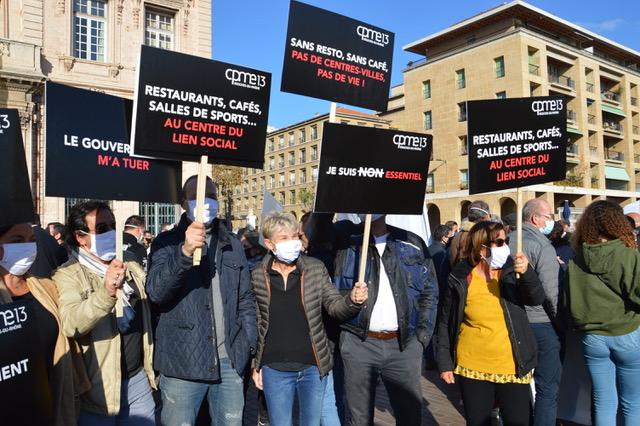 Ce 26 novembre, 3600 professionnels venus de toute la région sont descendus dans la rue.  ©NBC