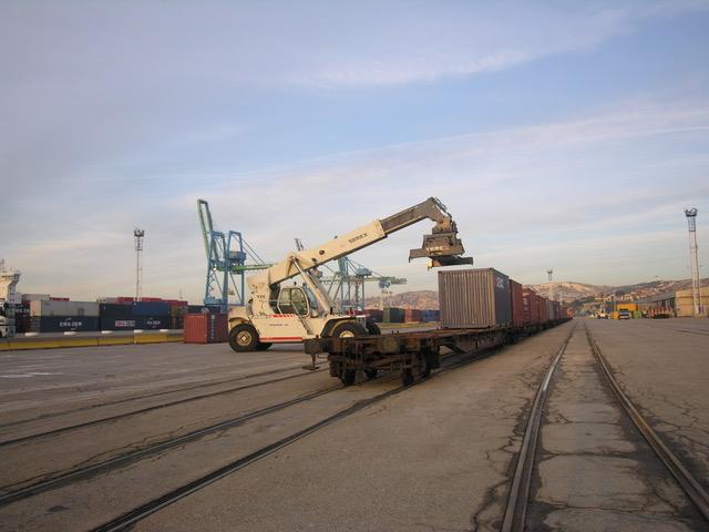 Med Europe Terminal (CMA CGM) va investir dans l'achat d'un portique ferroviaire. ©NBC
