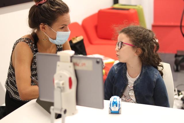 Déjà 5 000 enfants accueillis dans les ateliers digitaux de CrocosGoDigital. Photo©CrocosGoDigital