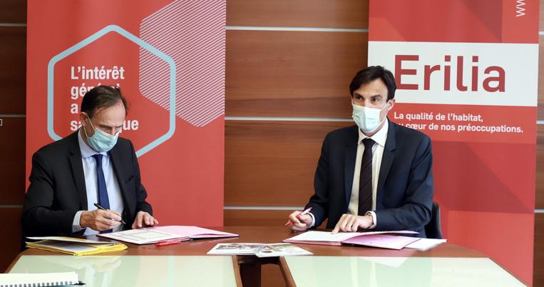 Olivier Sichel (DG de la BdT) et Frédéric Lavergne (DG d'Erilia) paraphant la convention de partenariat © Robert Poulain