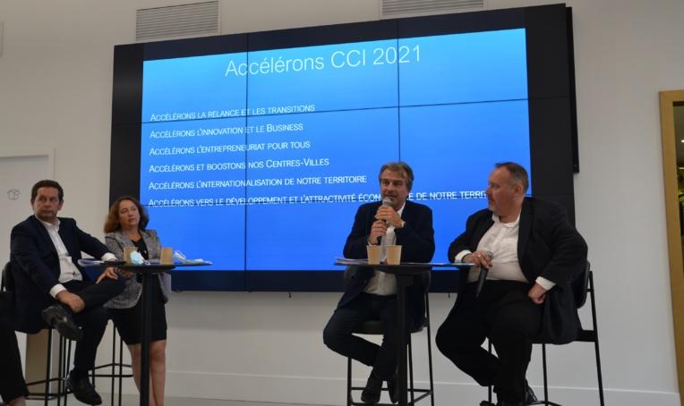 Les représentants des commerçants et des chefs d'entreprises tous unis autour des candidatures de Jean-Luch Chauvin et Stéphane Paglia (photo : F.Dubessy)