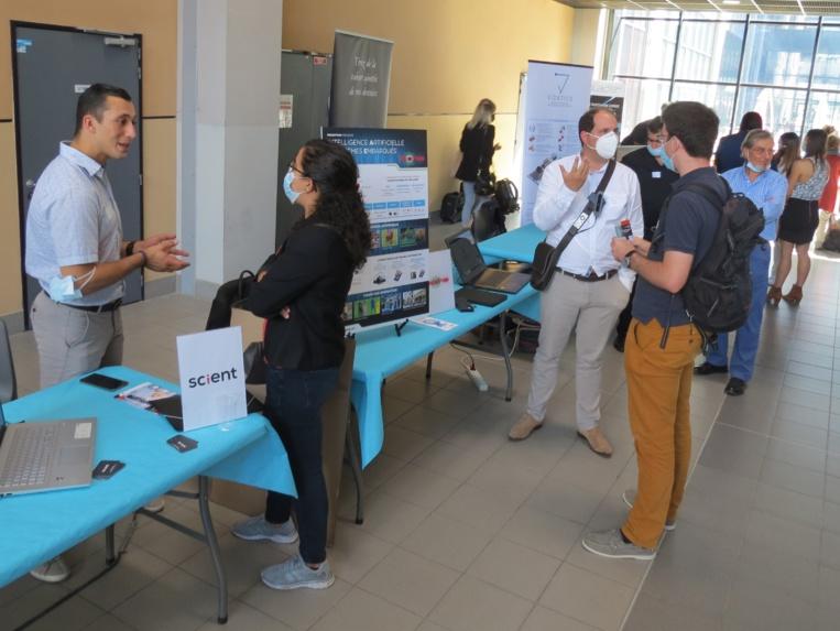 Une vingtaine d'entreprises ont pu exposer leurs solutions d'IA et de gestion de données (photo JC Barla)