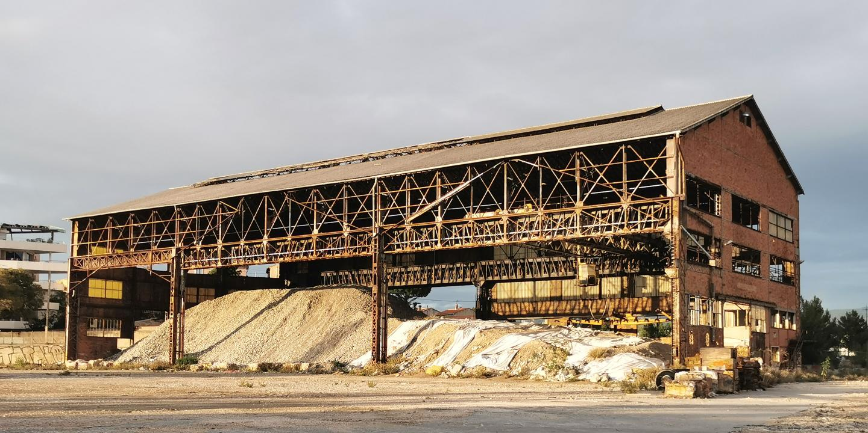 LCS espérait trouver un investisseur pour requalifier l'ancienne nef Transit des chantiers navals de La Ciotat © DR