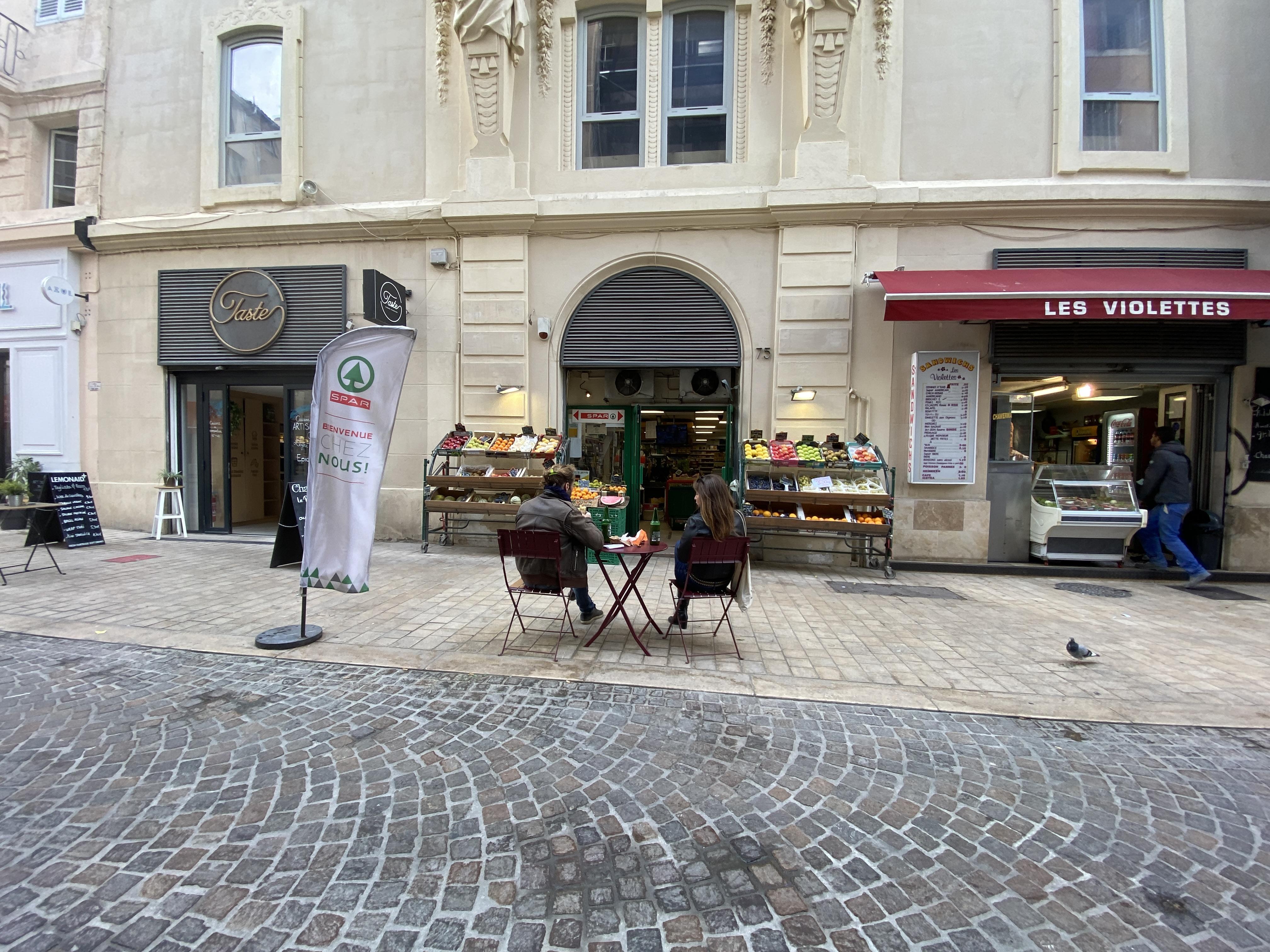 A Aix et Marseille, la réouverture des restaurants se fait sous conditions. ©NBC