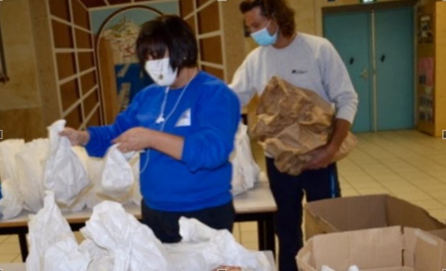 Avec la pandémie, les 500 repas quotidiens ne suffisent plus. La demande est de 1 000 repas par jour. ©NBC