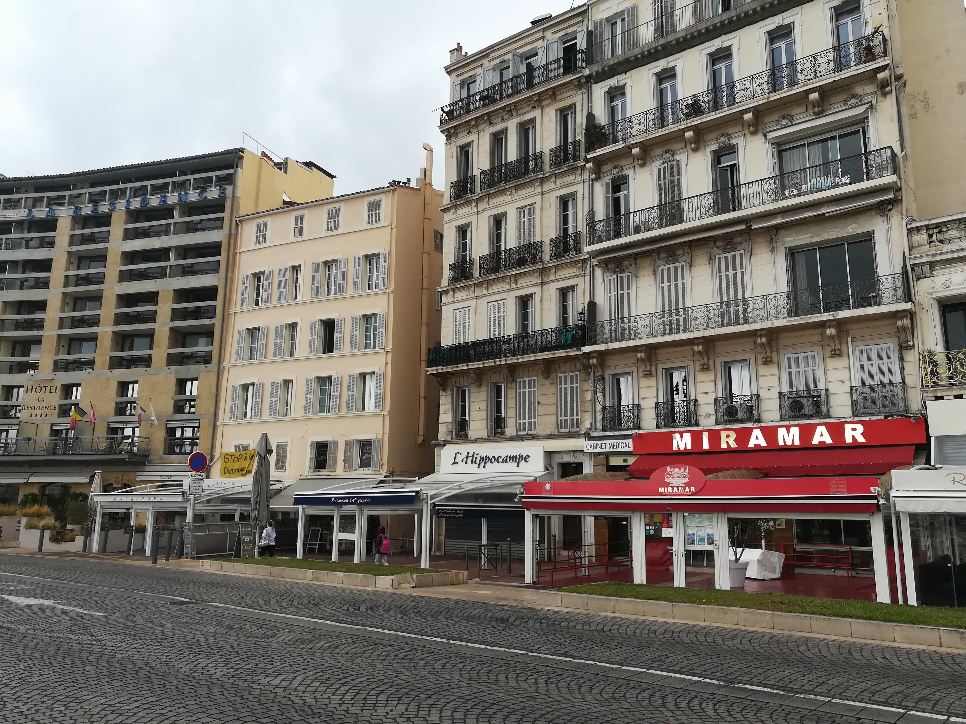 Commerce et Hébergement/Restauration des Bouches-du-Rhône ont bénéficié de plus de 155 millions d'euros au titre du fonds de solidarité et plus de 15 millions d'euros de reports d'échéances fiscales.  (Photo JC Barla)