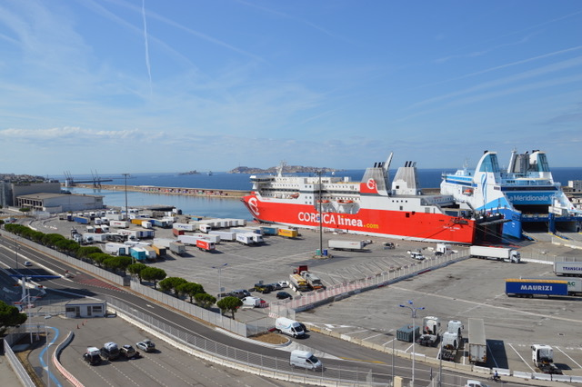 Photo : Si du côté de la passe Nord, le port phocéen s'est mis en capacité d'accueillir les plus grands paquebots de croisière, au Sud, côté passe Sainte-Marie rien ne va plus. ©N.B.C