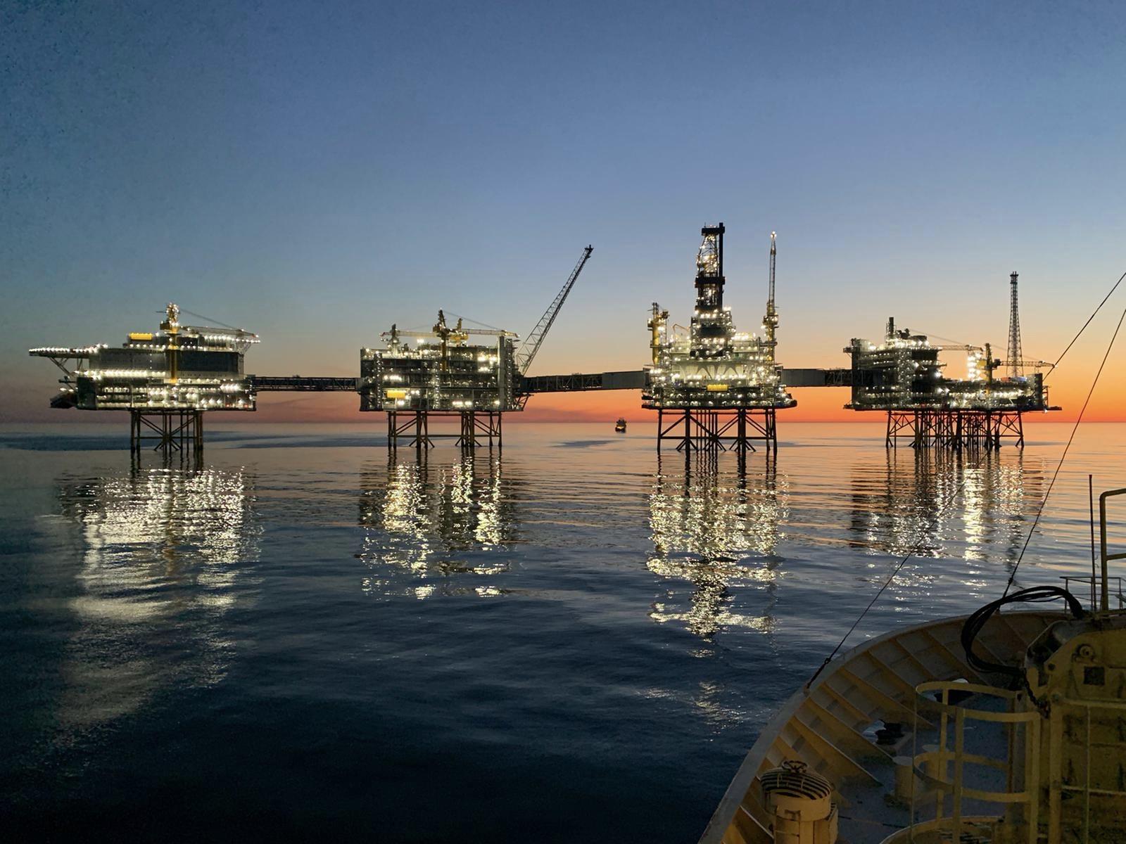 Opération sur un champ pétrolier en Norvège. ©©J.Lrx
