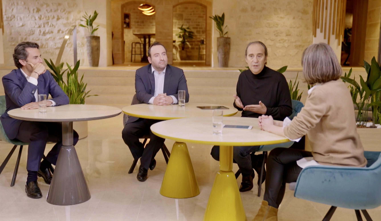 De G. à dte : Thomas Reynaud, directeur général d'Iliad, Kevin Polizzi, fondateur de Jaguar Network et directeur général B2B d'Illiad et Xavier Niel, président fondateur d'Illiad ont lancé la Freebox Pro.
