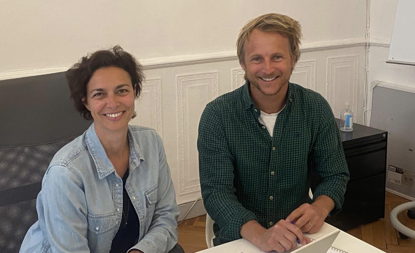 Amandine et Marc Beaucourt ont crée une offre de communication innovante avec un biscuit personnalisable
