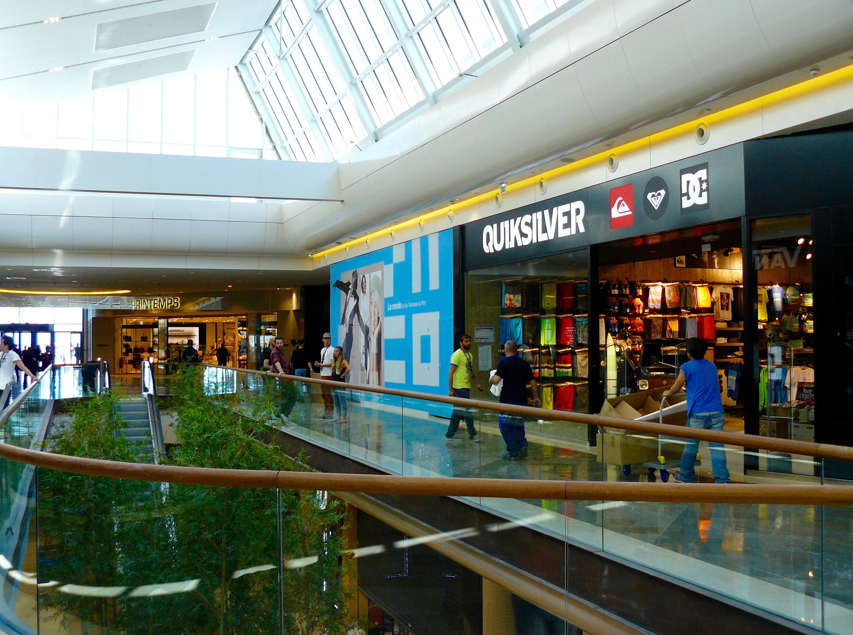 Les propriétaires des grands centres commerciaux vont mettre à disposition des cellules vacantes de leurs actifs © JP