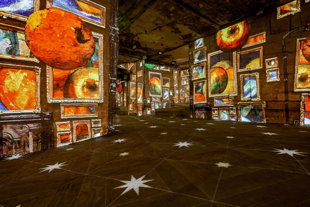 Les Carrières de Lumières permettent de s'immerger comme jamais dans les peintures de Cézanne (Photo Culturespaces - Eric Spiller)