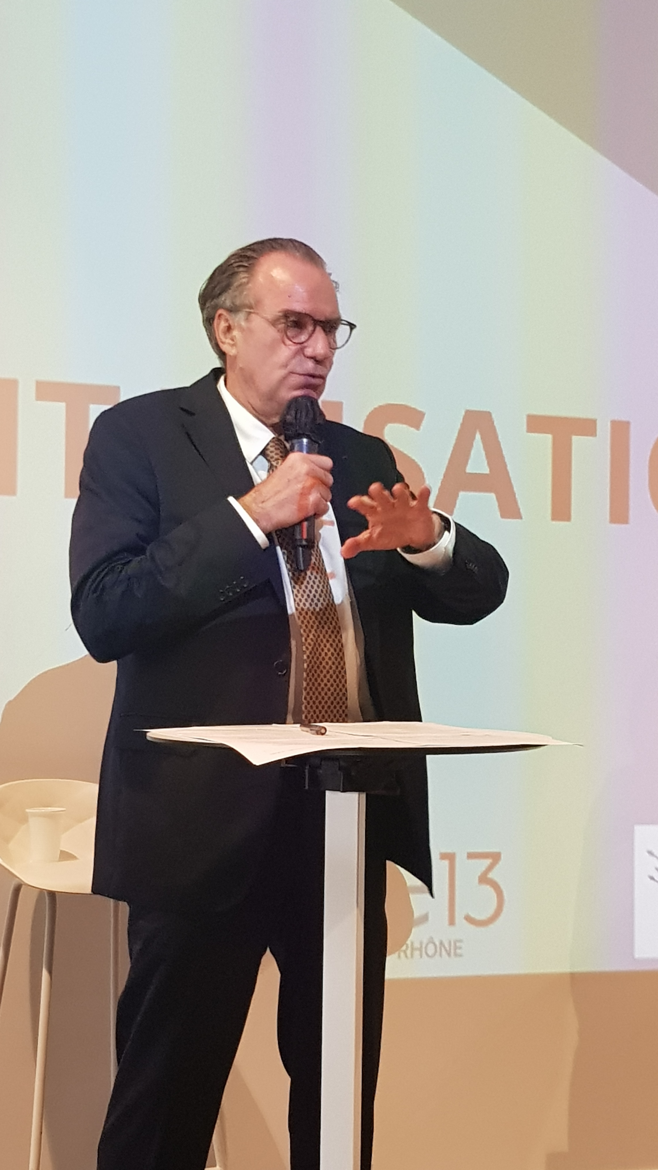 Le président de la région Provence-Alpes-Côte d'Azur s'engage à ce qu'aucun rideau ne ferme (photo : F.Dubessy)